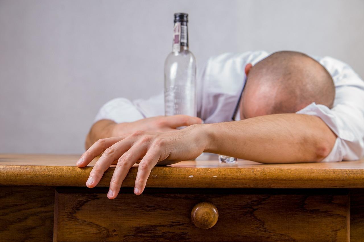 Jak sobie radzić z uzależnieniem od alkoholu?