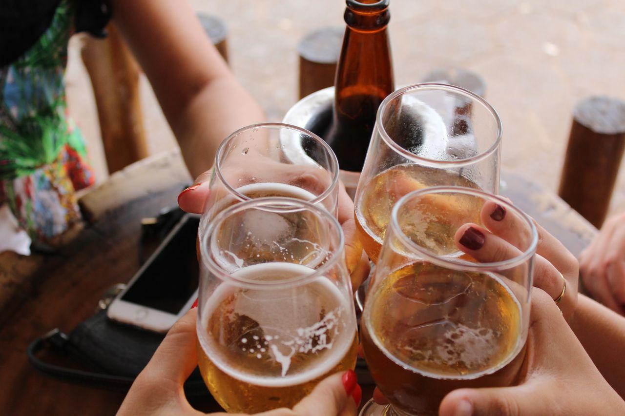 Gdy po raz kolejny sięgam po alkohol. Jakie rozwiązania pomogą skończyć z nałogiem?